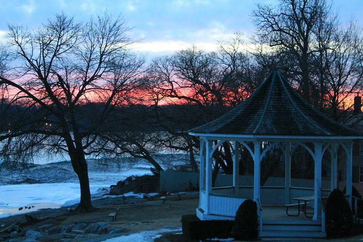 Beautiful sunrise in Niagara on the Lake
