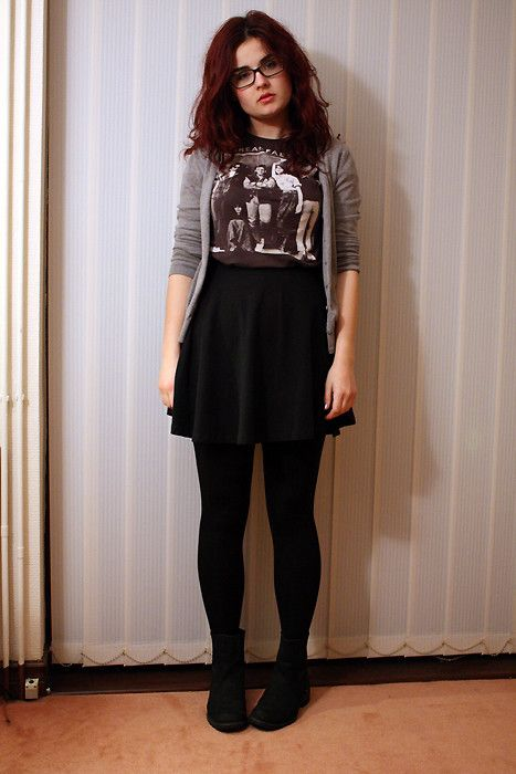 Miss Periwinkle: grey cardigan + graphic tee + black skater skirt +black tights + black ankle boots