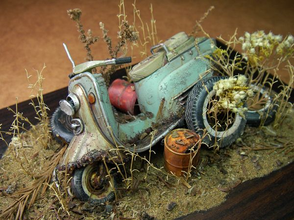Rabbit Scooter 1/24 Scale Model Diorama