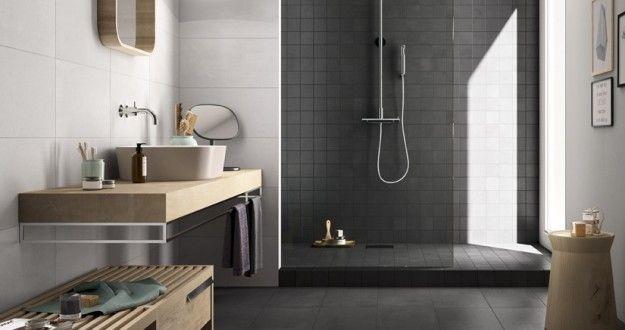 Bagno di design - Arredare casa con pavimento scuro per un bagno dal design contemporaneo.