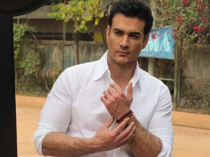 David Zepeda #FOREARMS