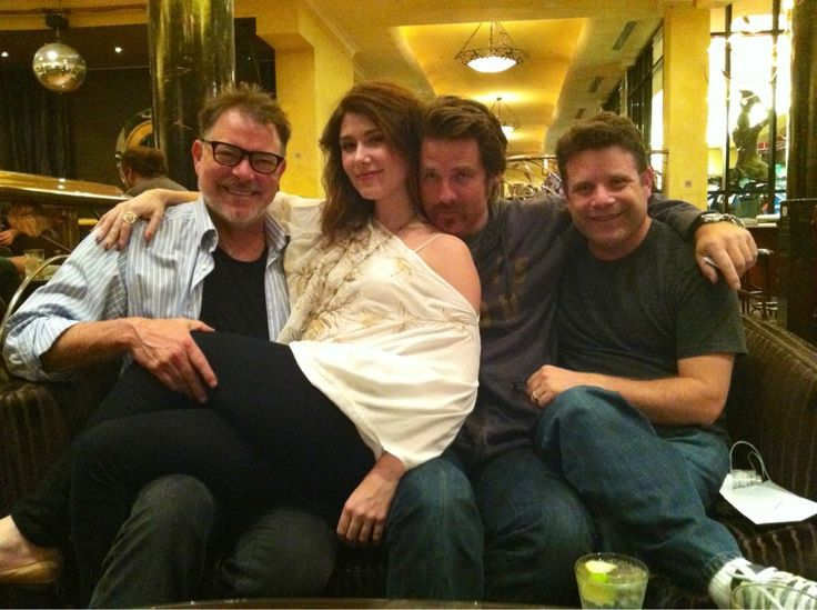 Jonathan Frakes, Jewel Staite, Ben Browder, & Sean Astin. That would be Star Trek TNG, Firefly, Stargate Atlantis, Farscape, Stargate SG1, and Lord of the Rings crossing over into one picture of total awesomeness. (from @JewelStaite on Twitter)