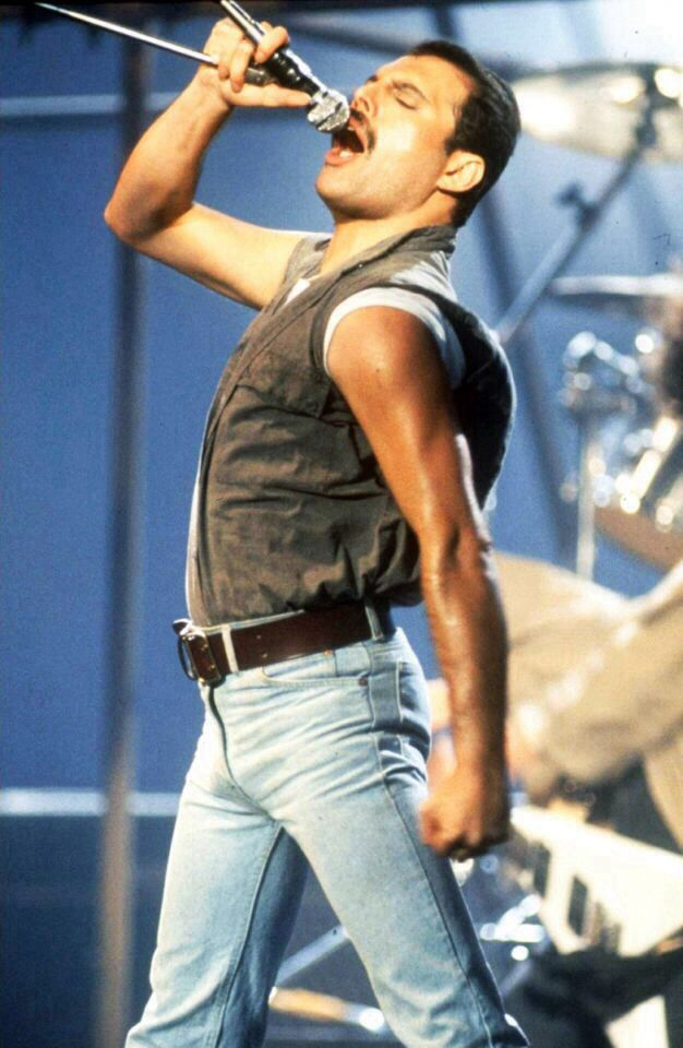 FREDDIE MERCURY - the man was a God of music how could he not be on my list
