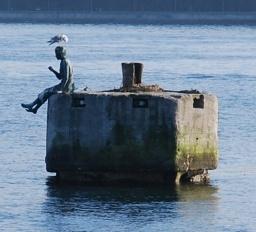 Marzyciel - dyrygent fal; rzeźba w okolicy gdyńskiej mariny.  #Gdynia #marzyciel