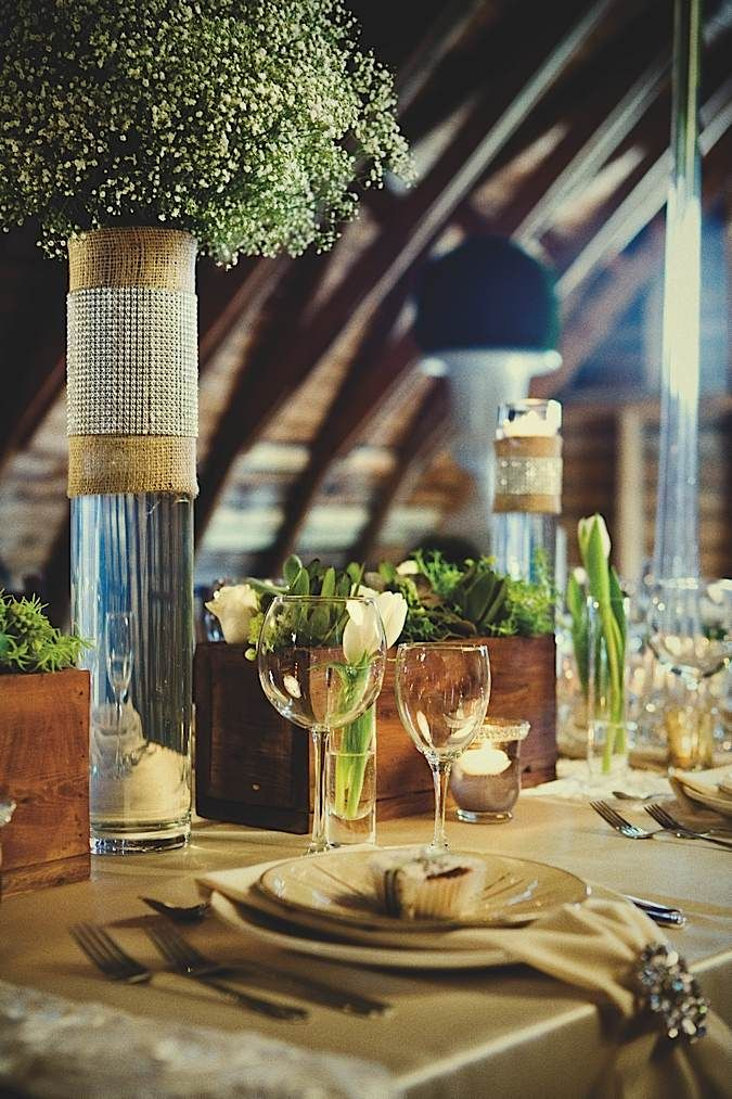 Sleek and rustic wedding centerpiece table ideas for that earthy bride Little Flower Shop
