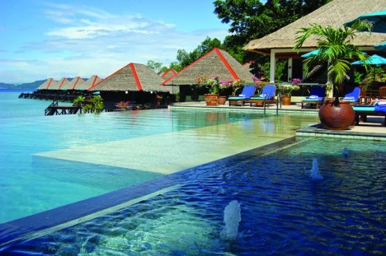 Infinity pool at Gayana Eco Resort, Malaysia  (Can you tell I NEED a vacation from Chigaco in February!)