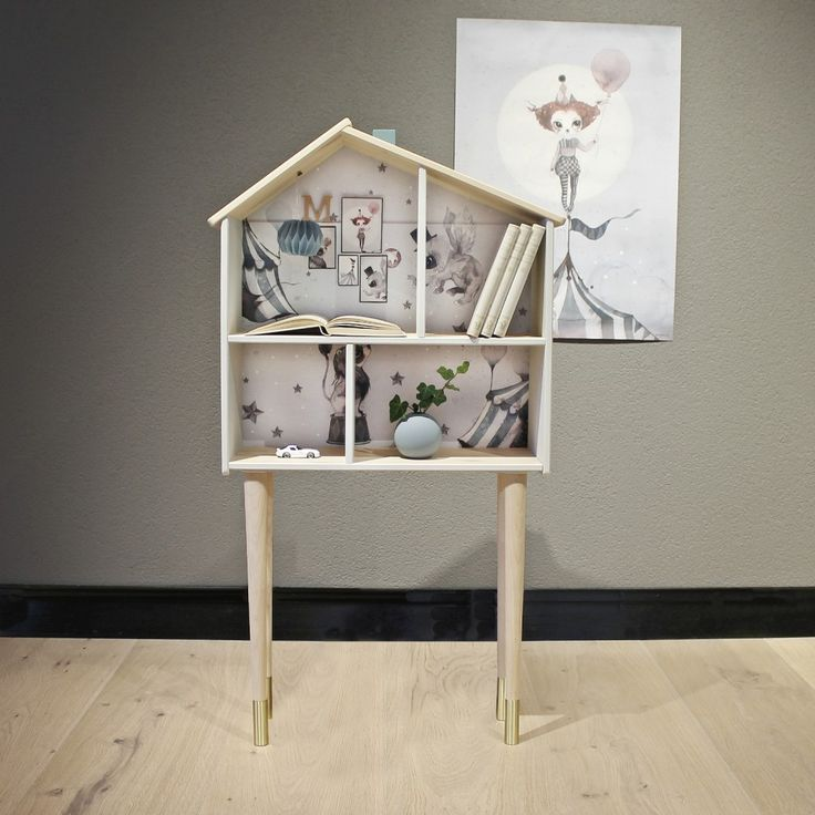 Doll House by Mrs Mighetto - Prettypegs - DIY Auction