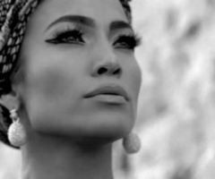 """Jennifer Lopez pursued her career with all her efforts and faced all obstacles with a powerful endeavor. """"You can make her cry but you can never make her quit."""""""