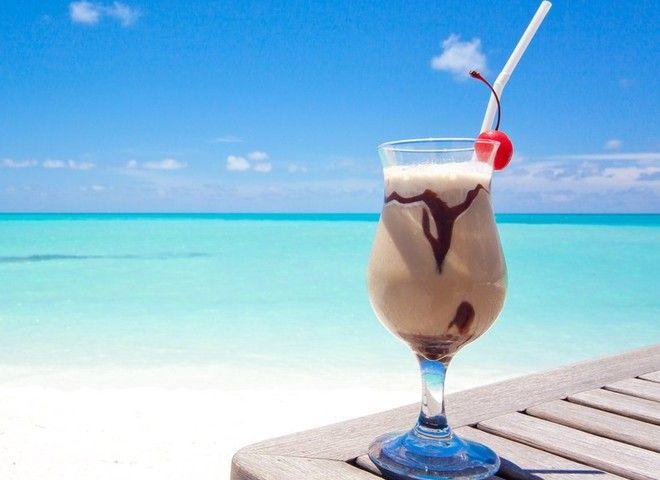 Кофейный коктейль с мороженым, ссылка на рецепт - https://recase.org/kofejnyj-koktejl-s-morozhenym/  #Напитки #блюдо #кухня #пища #рецепты #кулинария #еда #блюда #food #cook