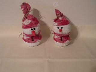 tutorial for a no-sew sock snowman  -Jean's Crafty Corner: