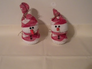 tutorial for a no-sew sock snowman  -Jean's Crafty Corner: