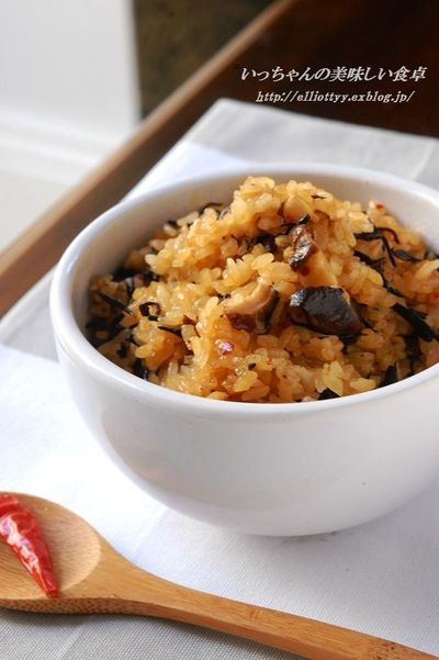 椎茸とひじきの食べるラー油で中華風炊き込みご飯 & お知らせ by ...