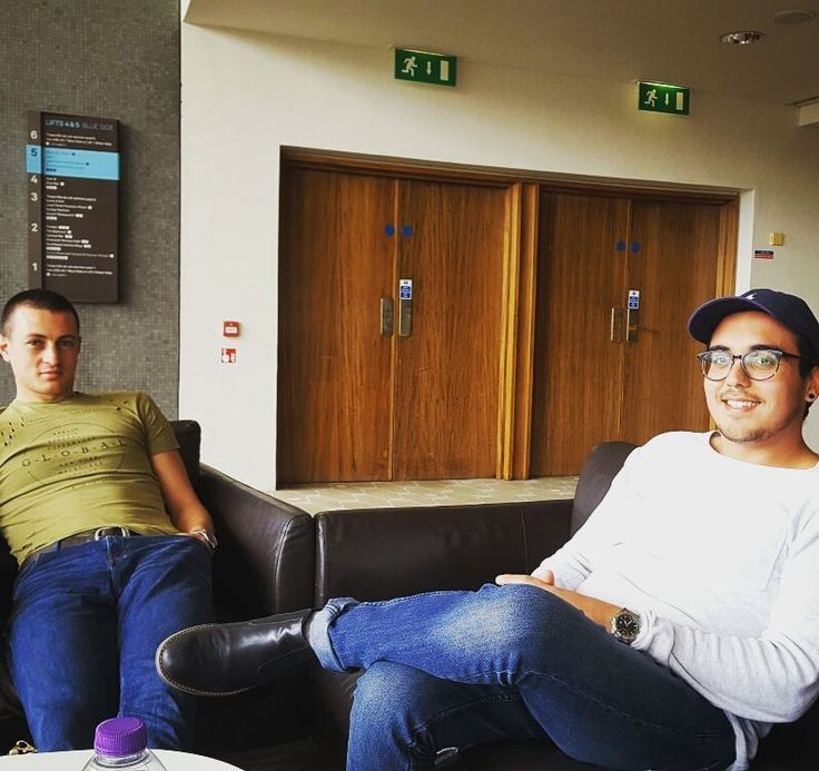 Great picture of Stefan & Kyle relaxing at last week's placement reviews at the Royal Festival Hall.  Both are coming to the end of their internship and have done amazing work!  #Internship #internshipabroad #students #erasmuslife #erasmusplus #Uk #Malta #challenge #adventure #goals #London #socialmedia #internet #marketing #social #media