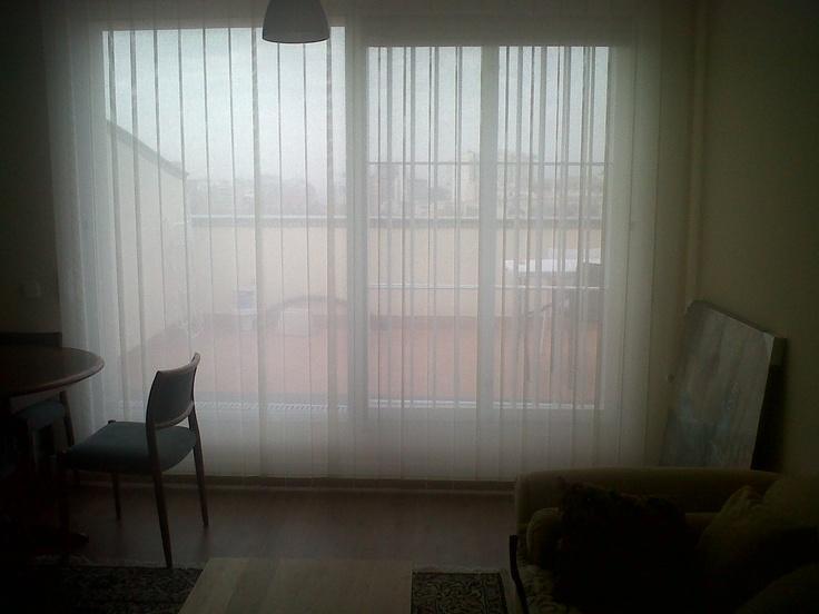 Cortinas verticales de polyester para un salon en madrid - Cortinas de salon ...