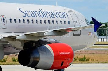 OY-KAW - SAS - Scandinavian Airlines Airbus A320 photo (464 views)