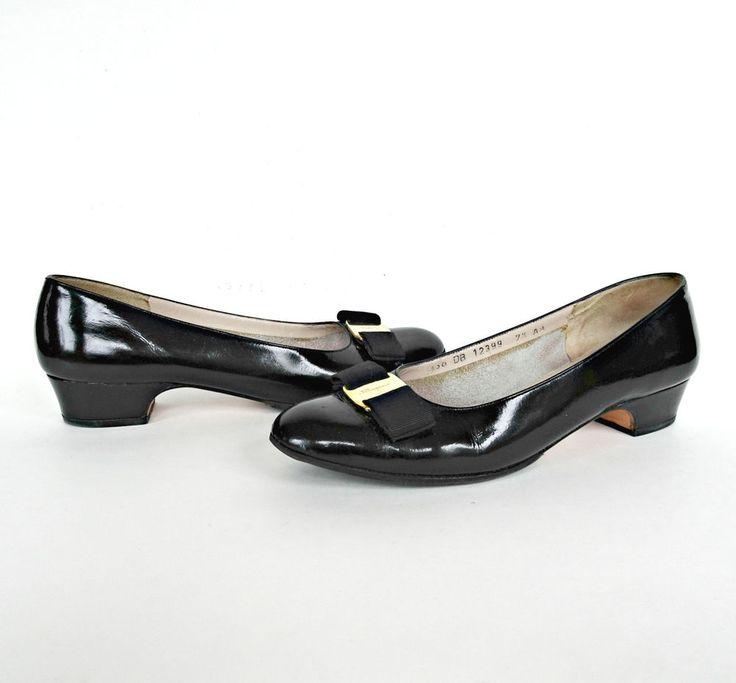 Salvatore Ferragamo Italy Vara Black Patent Leather Pumps 7.5 AA Narrow Shoe Bow #Ferragamo #Vara #Classy