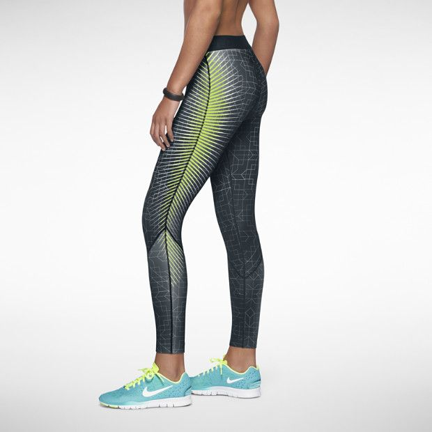 must have nike pro printed hyperwarm 2 women 39 s tights. Black Bedroom Furniture Sets. Home Design Ideas