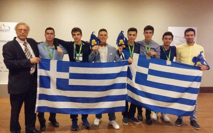 Τη 12η θέση ανάμεσα σε 111 χώρες του κόσμου κατέκτησε η Ελλάδα στην 58η Διεθνή Μαθηματική Ολυμπιάδα στο Ρίο ντε Τζανέιρο. Η ελληνική ομάδα κέρδισε ένα χρυσό, τέσσερα αργυρά και ένα χάλκινο μετάλλιο, κατακτώντας την πρώτη θέση ανάμεσα στις χώρες της Ευρωπαϊκής Ενωσης.
