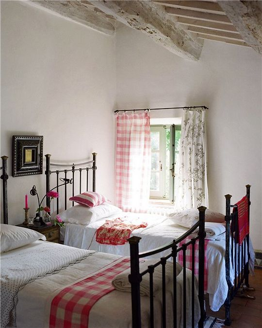 rustic country guest bedroom  #interiors #gingham