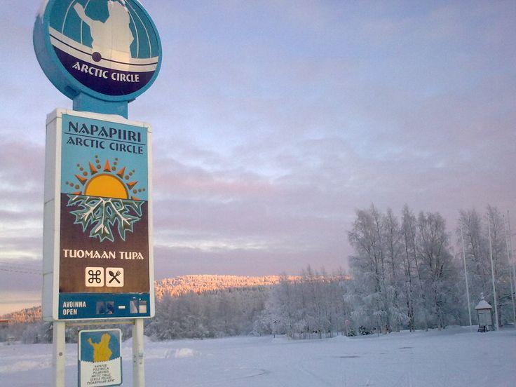 Napapiirillä sijaitseva Tuomaan Tupa on oiva taukopaikka aivan valtatie 21 varrella.