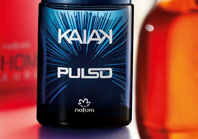 Vibrante, Kaiak Pulso combina ervas com notas de lima. Uma fragrância que move os homens e exala adrenalina. Ideal para homens que não gostam de ficar parados. Conteúdo: 100ml  Benefícios: Embalagem com cartucho que gera 55% a menos de impacto ambiental.  Recomendado para: Homens