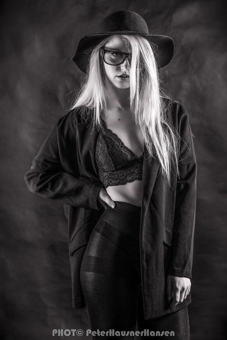 Emilie - null