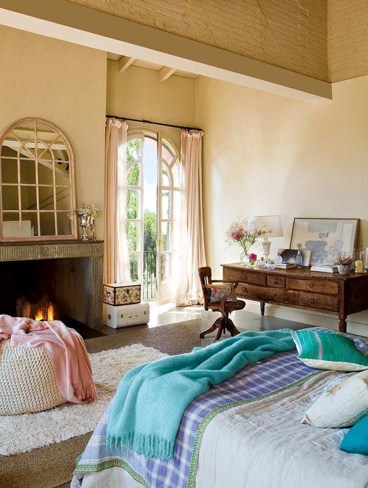 Luminous Bedroom With Antique Furniture Via FresHome Eduardo Arruga