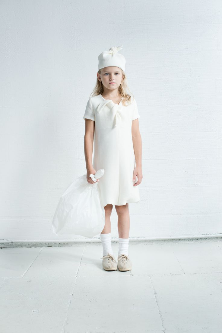 High summer high fashion white bag lady look from Xenia Joost kidswear easy to slip on dress and hat for spring 2015