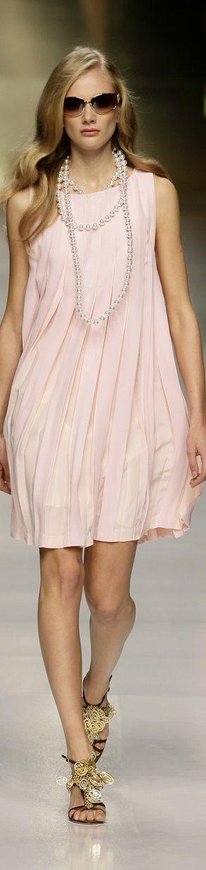 #Farbbberatung #Stilberatung #Farbenreich mit www.farben-reich.com Valentino