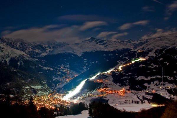 A Bormio sci in notturna sulla pista Stelvio
