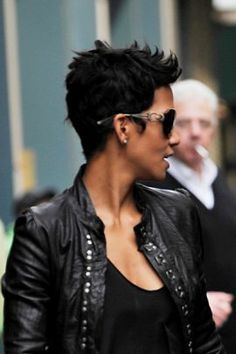 Halle-Berry-in-Black-Leathe