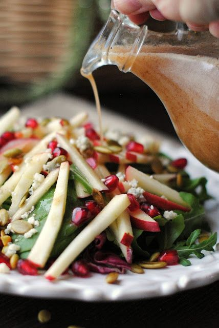 Apple Salad with Apple Cinnamon Vinaigrette | that's some good cookin'