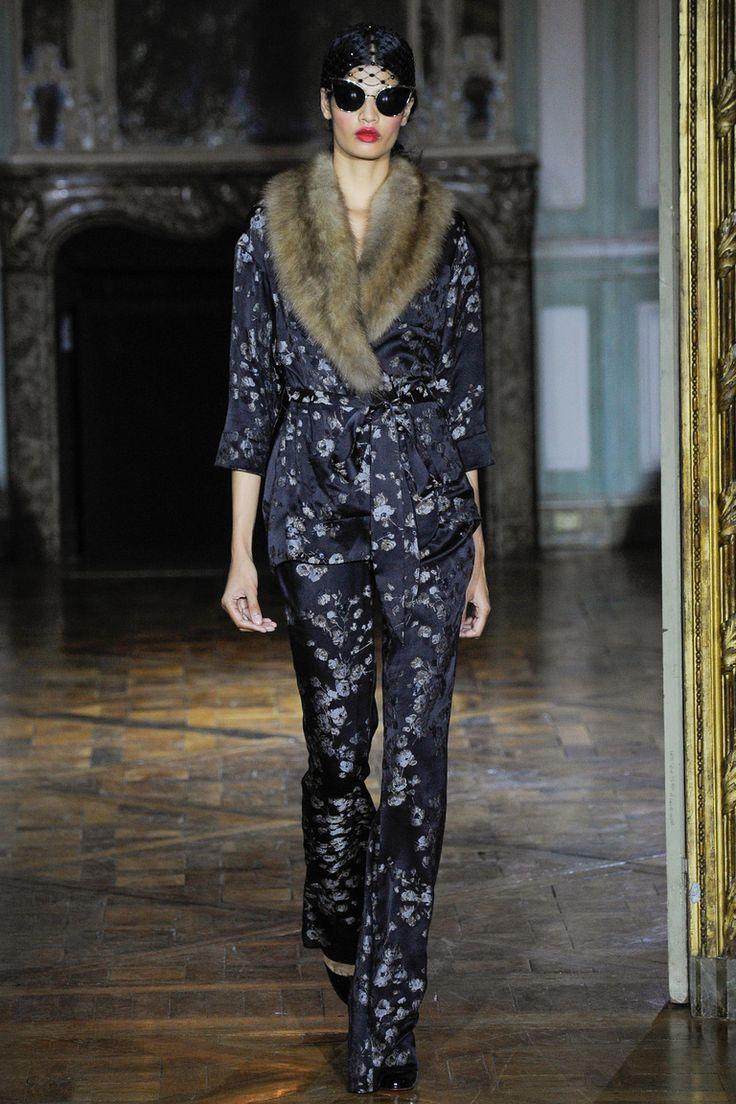 Ulyana Sergeenko | Коллекции осень-зима 2015/2016 | Париж | VOGUE