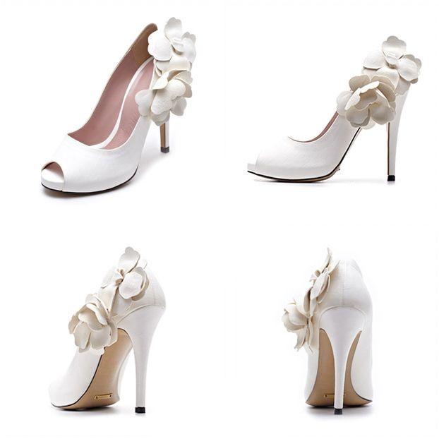 #namuhana #fashion #trend #designer #handmade #wedding #bridal #shoes #flower #pumps #white #N2153WH  #패션 #트렌드 #디자이너 #슈즈 #나무하나 #수제화 #구두 #웨딩 #신부 #결혼 #웨딩슈즈 #플라워 #펌프스