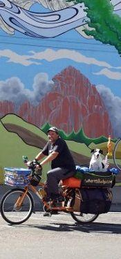 Mike i Bixby przejechali 15 tys. kilometrów. Ich rower znikł - http://tvnmeteoactive.tvn24.pl/rowery,3015/mike-i-bixby-przejechali-15-tys-kilometrow-ich-rower-znikl,179859,0.html