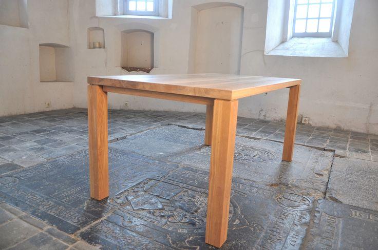 Rond 2005 is de Nuance ontstaan, een sobere en eenvoudig strak ontwerp die de basis voor veel tafels vormt. De Nuance is zowel rechthoek als vierkant te verkrijgen. Het ontwerp is zo ontworpen dat het lijkt alsof het blad zweeft op de poten.