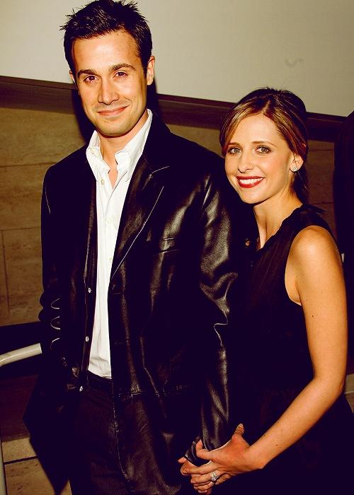 Sarah Michelle Gellar et Freddie Prinze Jr : les stars d'Hollywood qui sont simples, en bonnes santés, aimables, respectueuses et fidèles, ça m'épate toujours.