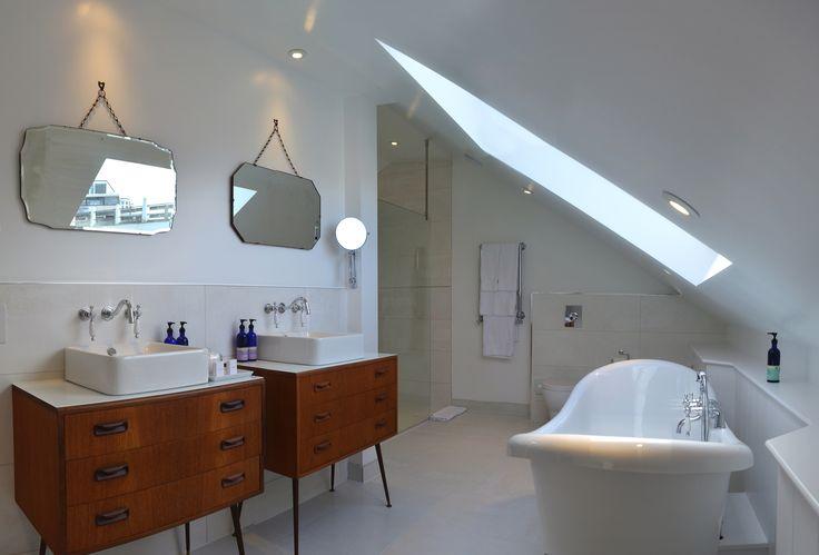 Studio Crême - GRAPHIC DESIGN STUDIO. Double sinks and mirrors, stand alone bath!