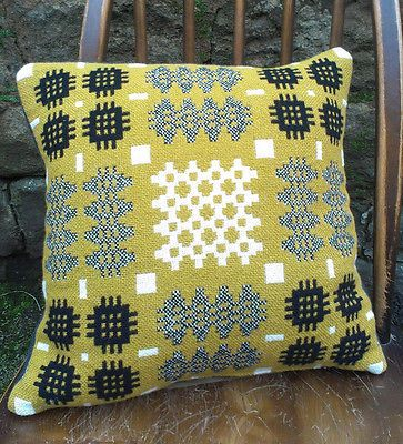 Vintage retro Welsh tapestry blanket carthen cushion