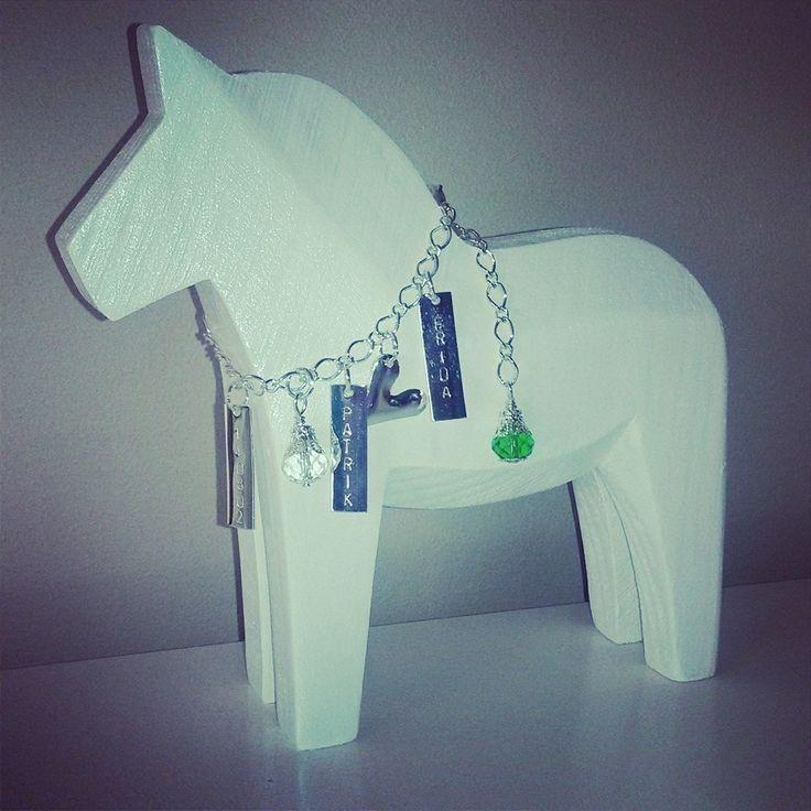 Stor Bröllopshäst med grön och vit kristall