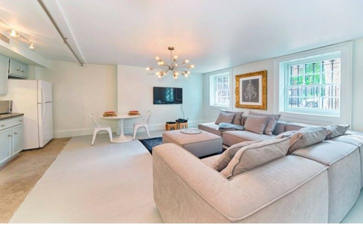 Brooklyn Heights 1 Bed Floorthru 950ft Garden Apt Apartments For Rent In Brooklyn New New York Studio Apartment New York City Apartment New York Apartments
