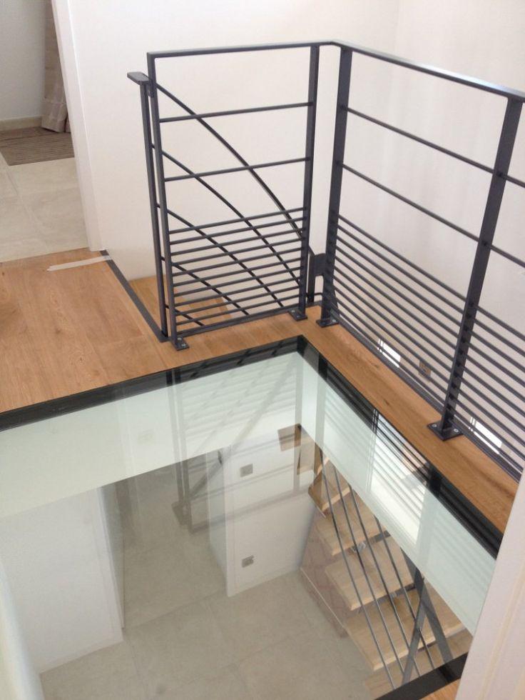 Détail du puit de verre au coeur de cette maison ultra contemporaine à Bassussarry au Pays Basque - Architecte Delettre