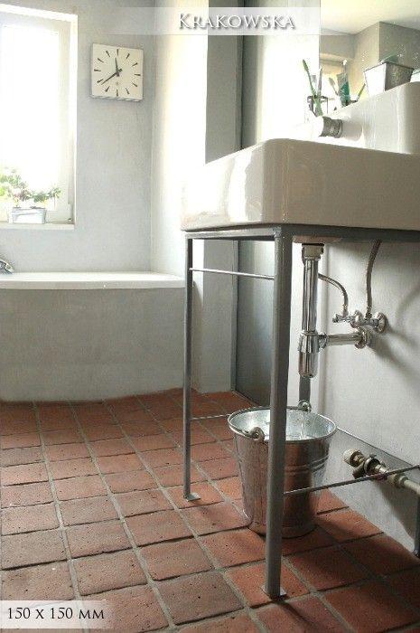 Terracotta tiles floor - bathroom