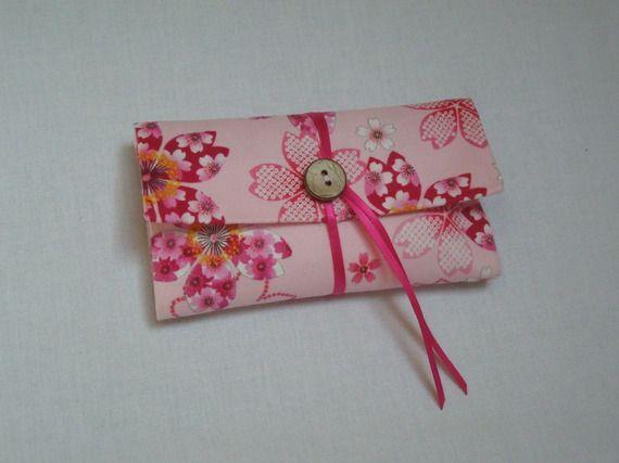 Blague à tabac / Pochette à tabac pratique en tissu japonais rose motif sakura