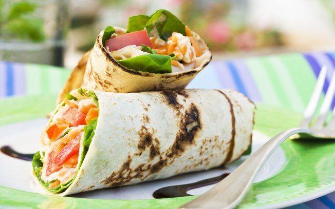 Massa caseira para wrap  Aprenda a fazer essa delícia em : http://receitasbrasil.net/receita.php?id=2263
