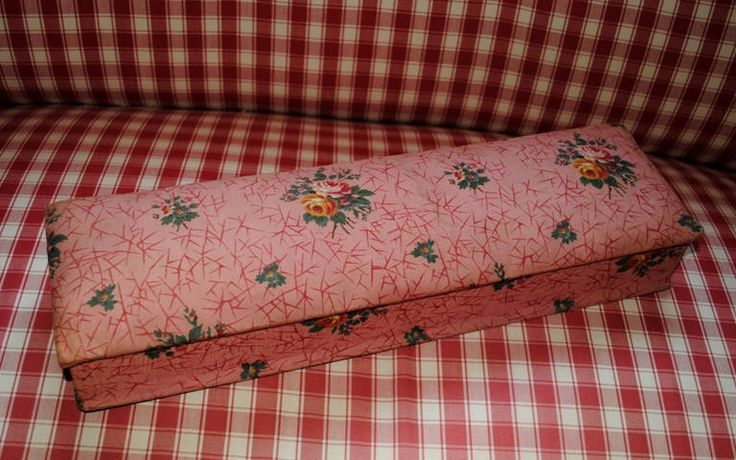 Antique FRENCH FABRIC Glove Box PINK Romantic Roses Boudoir di villavillacolle su Etsy