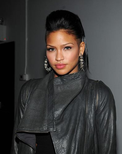 cassie hair style 29 best images about half hairstyles on 1916 | f1d18301aede969ccef998880dfb6f24 cassie hair half shaved hairstyles