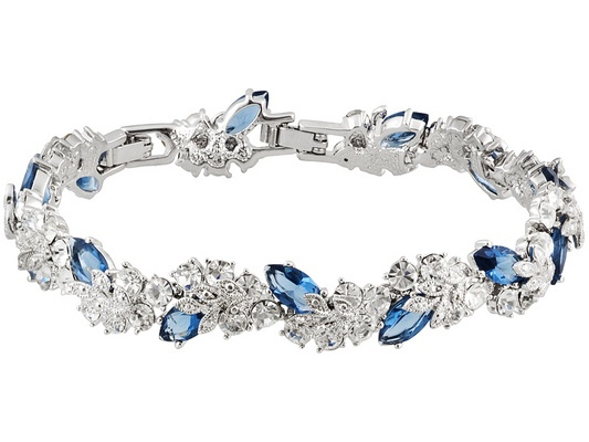 Madeleine Astor's Crystal Bracelet, From Titanic collection. I LOOOVE this bracelet!!