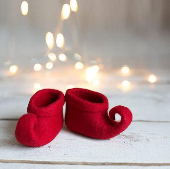 Rode vervilte elf fee schoenen door vaida peteikis