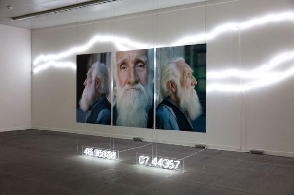 Alfredo Jaar, La Cordillera de los Andes (CB), vista de instalación en Kunstmuseum, Berna, Suiza